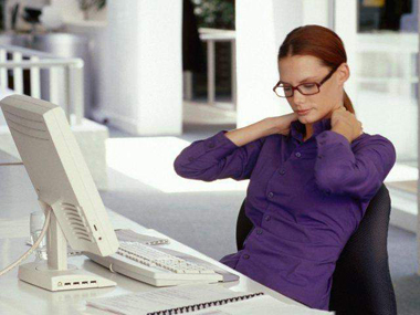 Posiciones ergonómicas: Cómo sentarte frente a una computadora